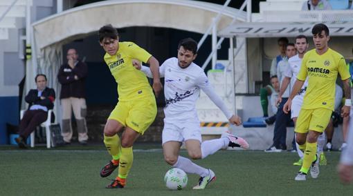 Olimpic Xativa y Villarreal B, los dos invictos en el Grupo VI de Tercera