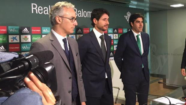 Víctor lo tiene claro: «Rubén Castro jugará de delantero»