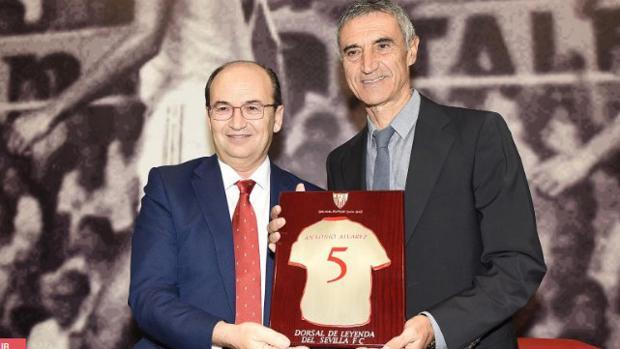 Castro, a Antonio Álvarez: «Qué bonito sería tenerte en este Sevilla de Sampaoli»