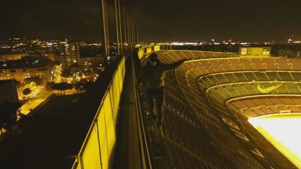 Se cuelan en el Camp Nou para grabar un vídeo