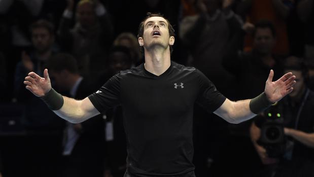 Murray sufre para ganarse su primera final