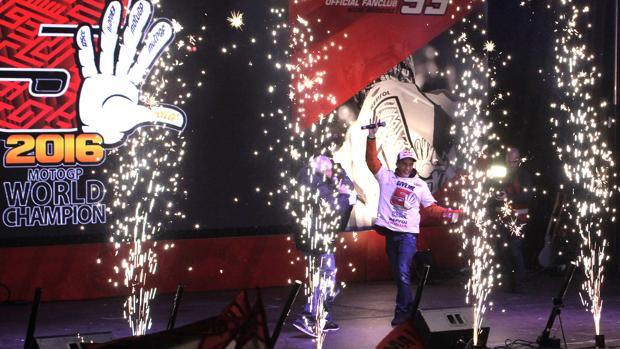 Marc Márquez, en la fiesta por el título de MotoGP en Cervera