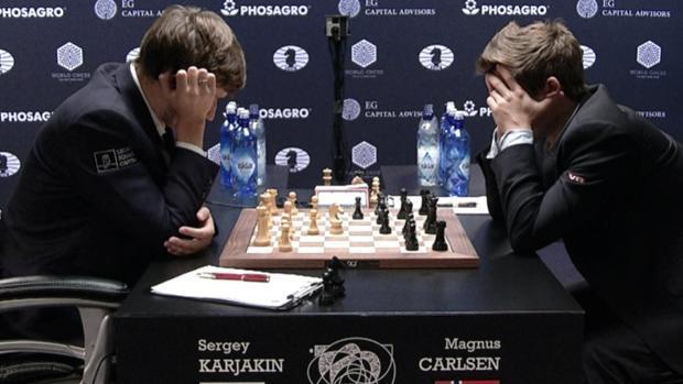 Carlsen y Karjakin convierten el ajedrez es un juego oscuro