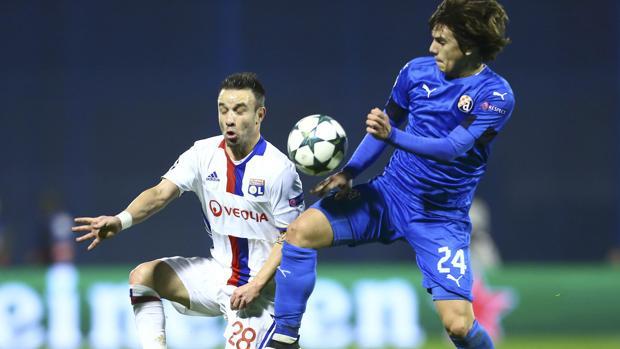 El Lyon gana y se la jugará con el Sevilla en casa
