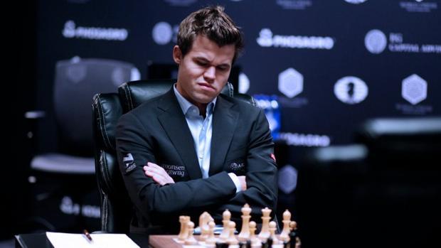 Ajedrez:  Carlsen, castigado por no atender a la prensa tras su derrota