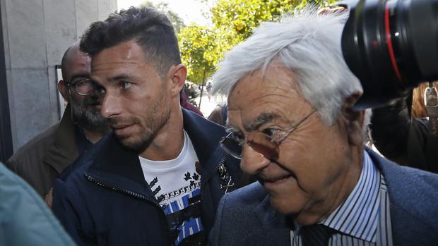 Fianza de 200.000 euros a Rubén Castro
