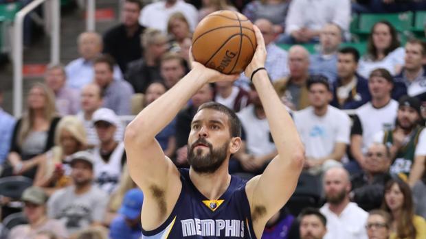 Los Gasol salvan el honor español en la jornada NBA