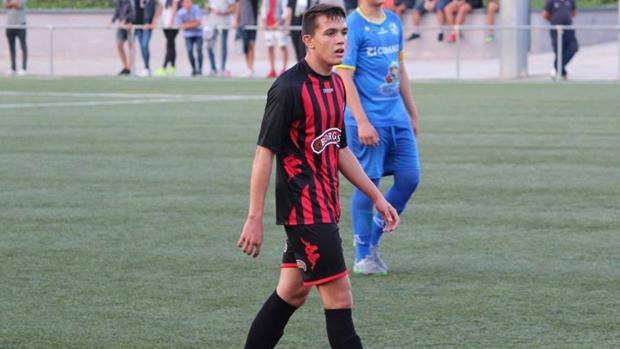 Rubén Sánchez con la camiseta del Nástic