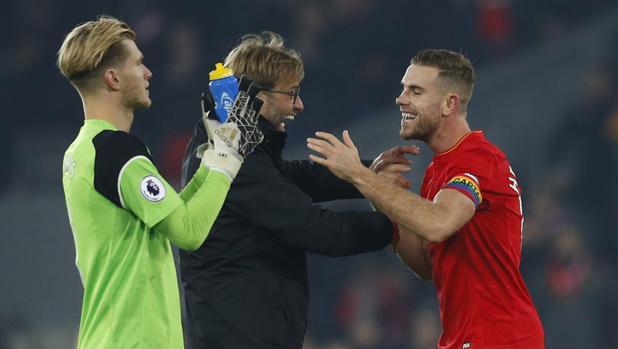 Origi y Milner guían al Liverpool al triunfo