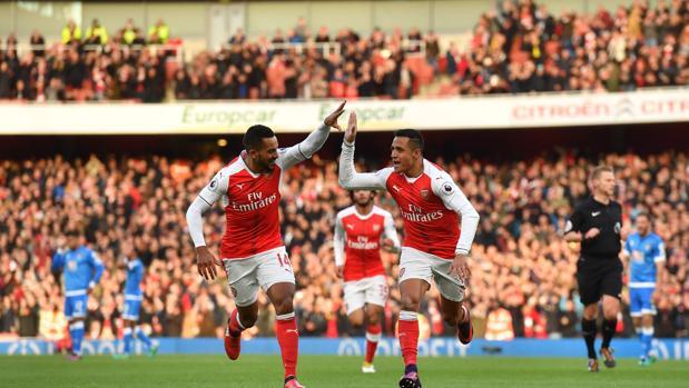 El Arsenal derrota al Bournemouth con un gran Alexis Sánchez