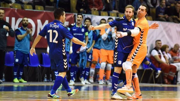 Borja, Pola y Jesús Herrero celebran un gol del Movistar Inter