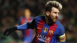 El árbitro atraca a la Real Sociedad y el Barça hace el ridículo