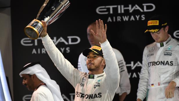 Fórmula 1:  ¿Le puede pasar factura Mercedes a Hamilton por su desplante?