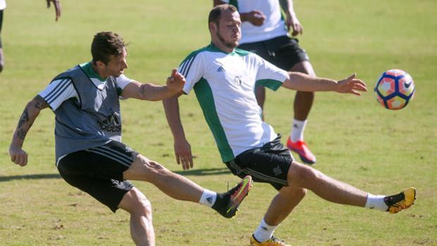Zozulia, único 'suplente' fuera de la lista del Betis para la Copa; Adán y Rubén descansan