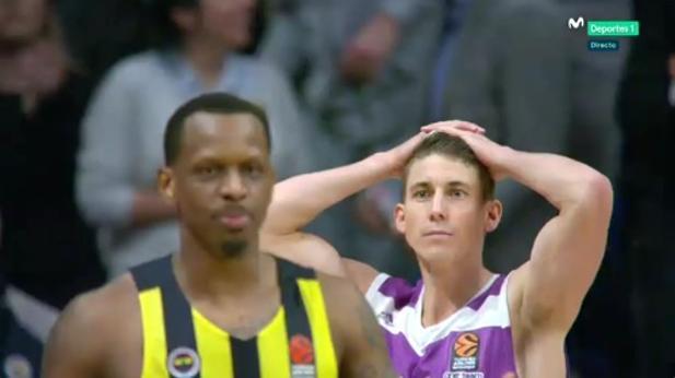 Euroliga | Fenerbahçe-Real Madrid:  Así fue la polémica y decisiva falta de Carroll cuando quedaban 1,7 segundos