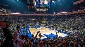 Triunfo agónico del Fenerbahçe en un final de partido muy polémico