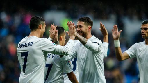 El Madrid se presenta en el camp Nou como líder
