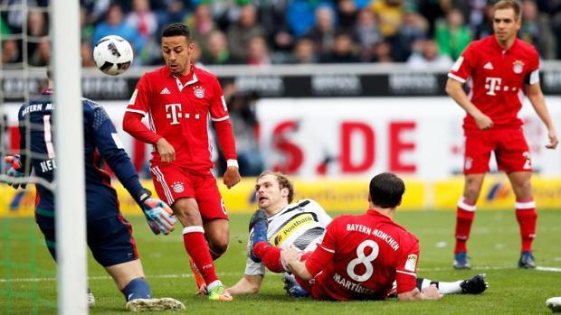 Monchengladbach-Bayern Múnich:  Müller le da una apretada victoria al Bayern