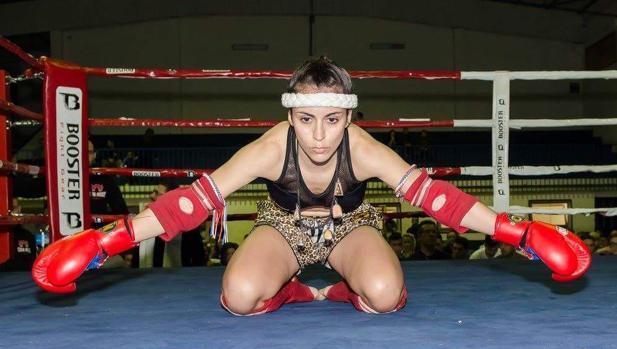 Los gaditanos Desireé Rovira y Santiago Merino, campeones de España de Muay Thai