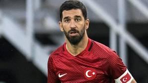 El futbolista Arda Turan, durante un partido con la selección turca