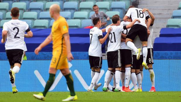 Alemania cautiva pero sufre para ganar a Australia
