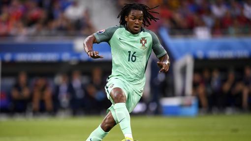 Renato Sanches con la camiseta de Portugal.