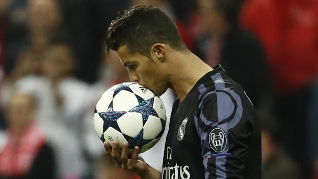 Mercado de fichajes:  El Bayern califica de «fábula» una oferta por Ronaldo