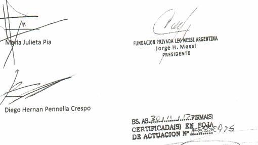 Firma de Jorge Messi como presidente de la fundación y de Limecu S.A.