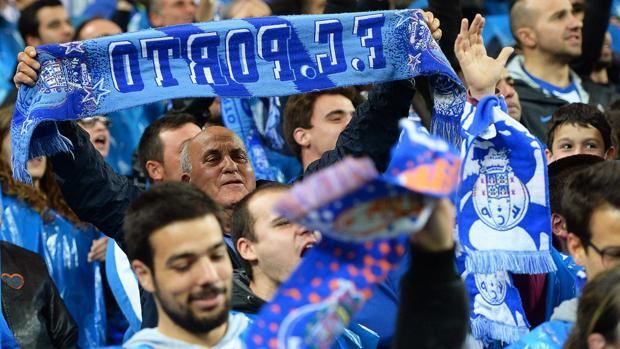 Fútbol Internacional:  Un ultra del Oporto muere al arrojarse al agua por una apuesta de 100 euros