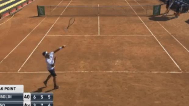Lamentable reacción de un tenista al perder