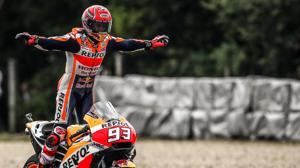 Marc Márquez, campeón en Brno, dedica su victoria a Ángel Nieto
