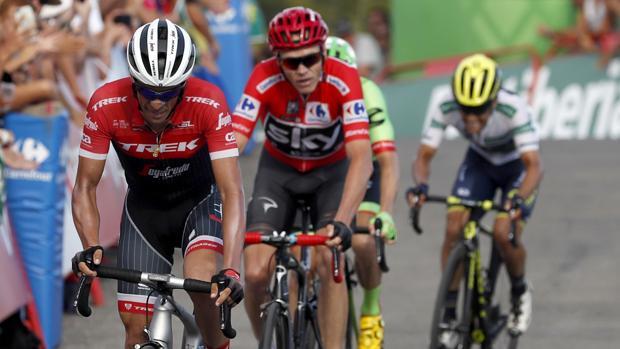 Contador entró en la meta por delante de Froome