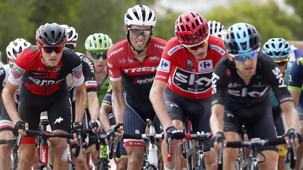Alberto contador durante una etapa de la Vuelta