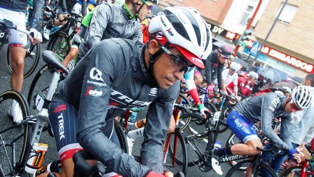 Alberto Contador, antes de iniciar la etapa de hoy