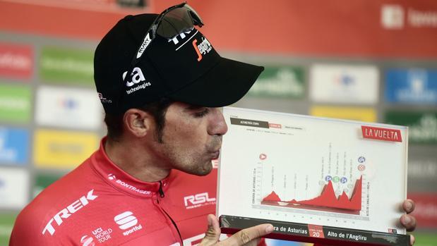 Contador, tras ganar en el Angliru