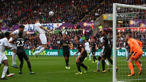 Swansea-Newcastle:  El Newcastle, sin Benítez, suma su primer triunfo a domicilio