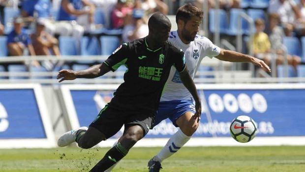 Tenerife-Granada:  El atrevimiento del Tenerife le otorga un merecido empate ante Granada