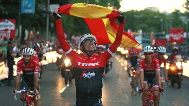 Alberto Contador, tras la disputa de la última etapa de la Vuelta en Madrid