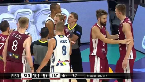 Eurobasket 2017:  Choque de trenes de Randolph y Porzingis