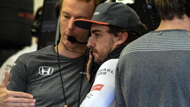 GP de Singapur:  Alonso: «El objetivo es estar con los dos coches en los puntos»