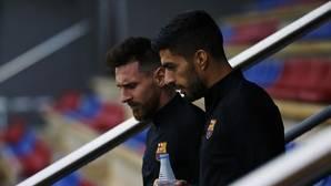 Luis Suárez y Leo Messi antges del entrenamiento de ayer previo al partido ante el Getafe