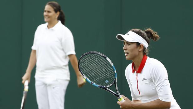 Muguruza y Conchita, en el último Wimbledon