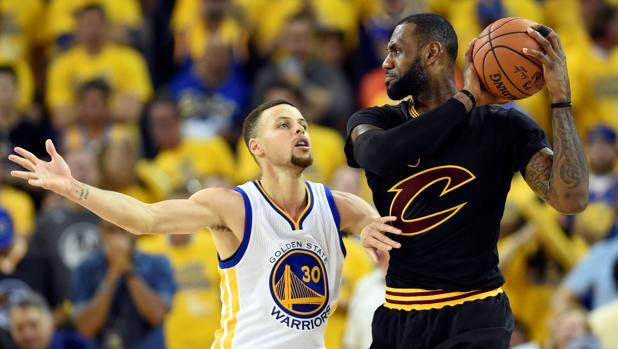 LeBron James ha salido en defensa de su rival Stephen Curry