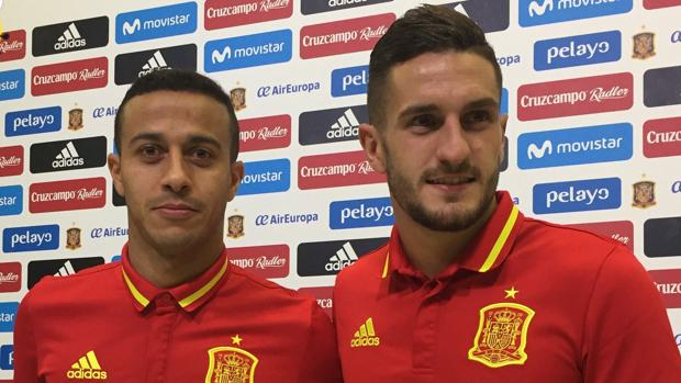 Thiago y Koke, antes de la rueda de prensa