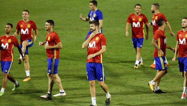 Piqué, en la sesión previa al partido ante Albania