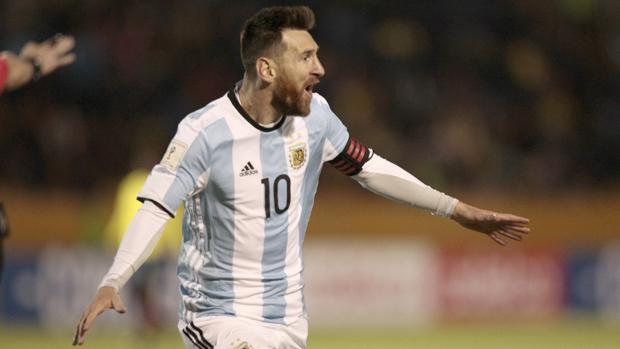Leo Mesi celebra uno de sus goles ante Ecuador