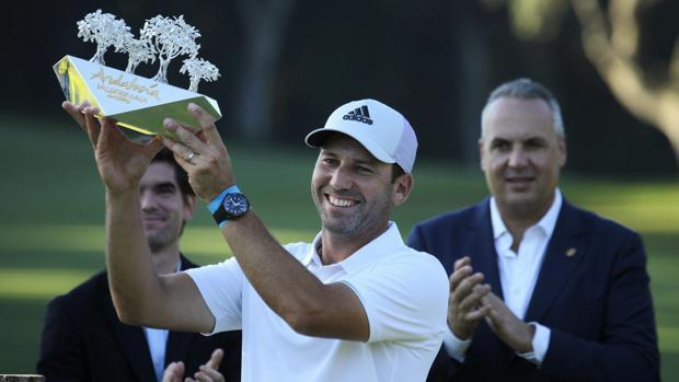 Sergio García, con su trofeo del Valderrama Masters
