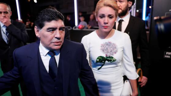 Maradona, a su llegada al London Palladium