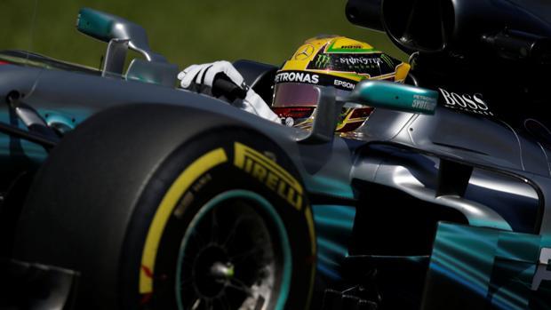 Lewis Hamilton, durante los primeros ensayos libres en Interlagos