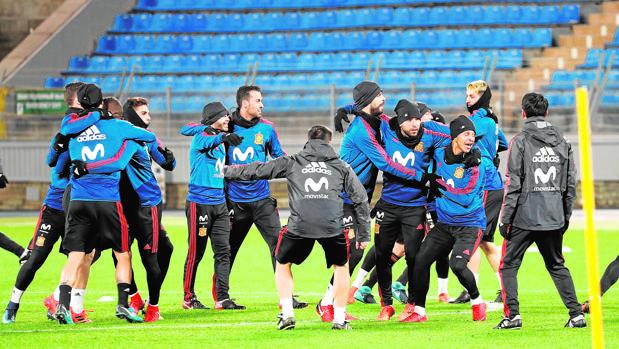 La selección española, ayer en San Petersburgo